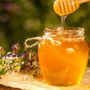 Свежий майский мёд